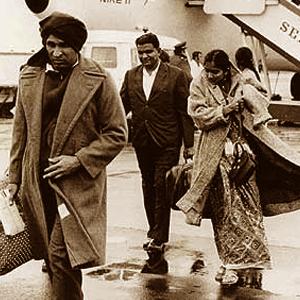 Ugandan Asian refugees arriving in Britain
